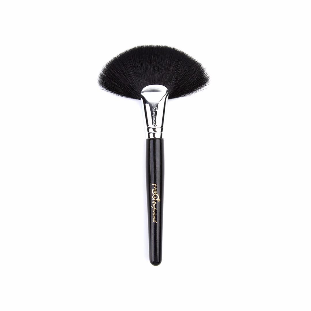 Pro's Sable Hair Fan Shaped Powder/Blending Makeup Brush